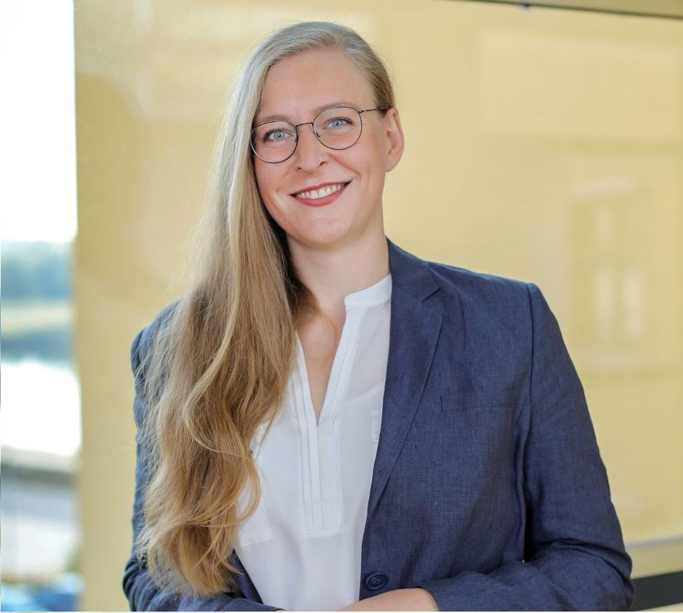 Dr. Lisa Underberg
