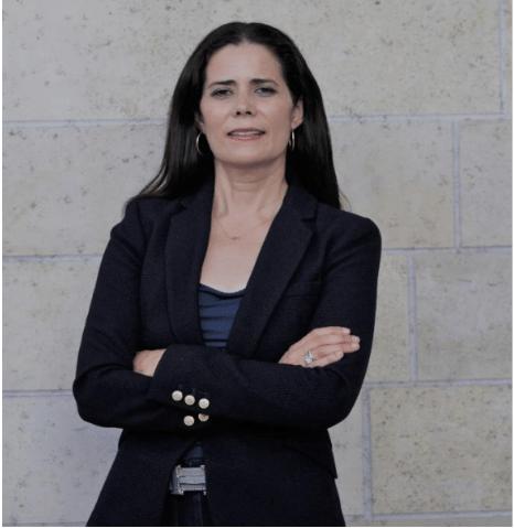 Adriana Mendoza