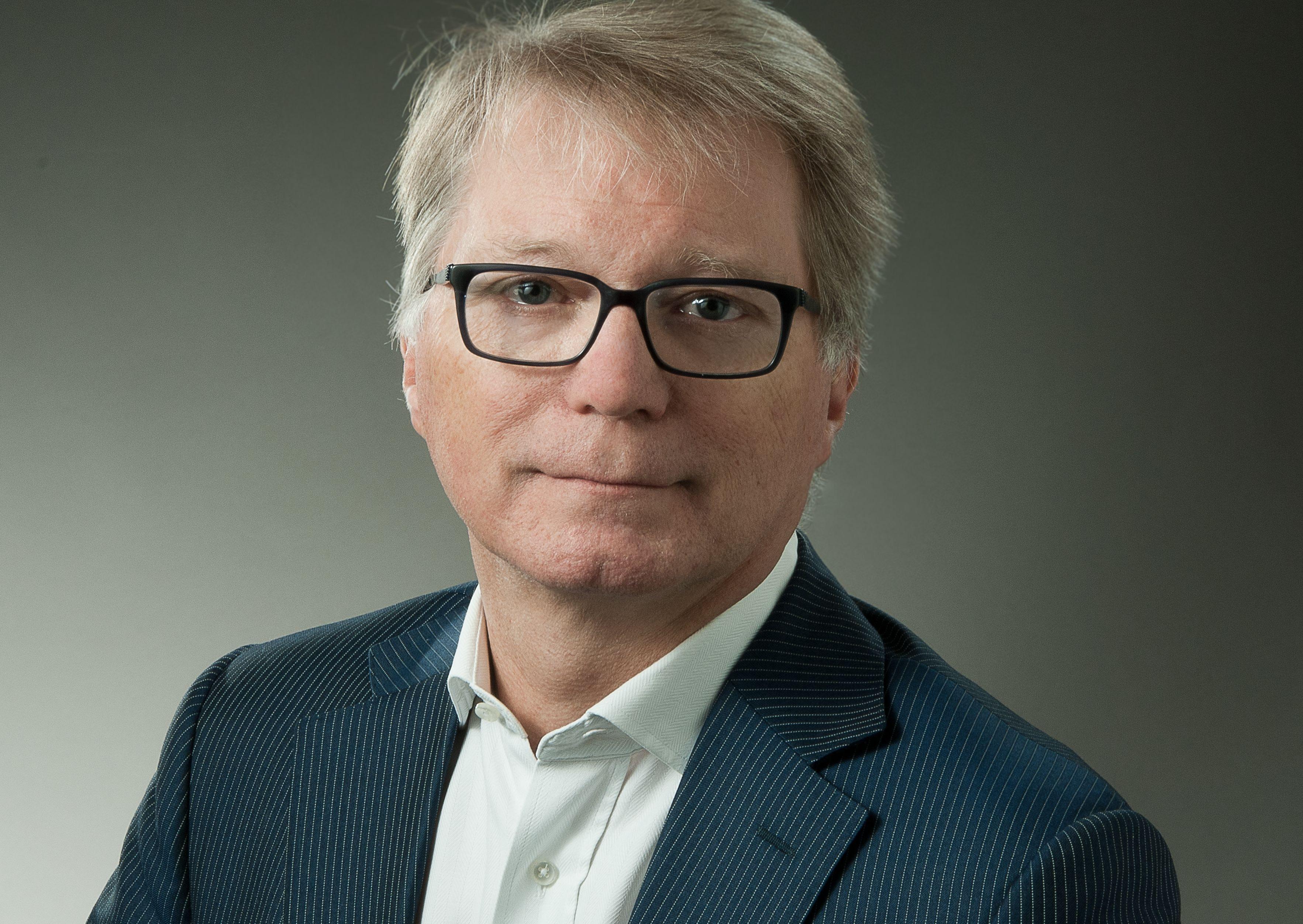 Dr. Thomas Bayer