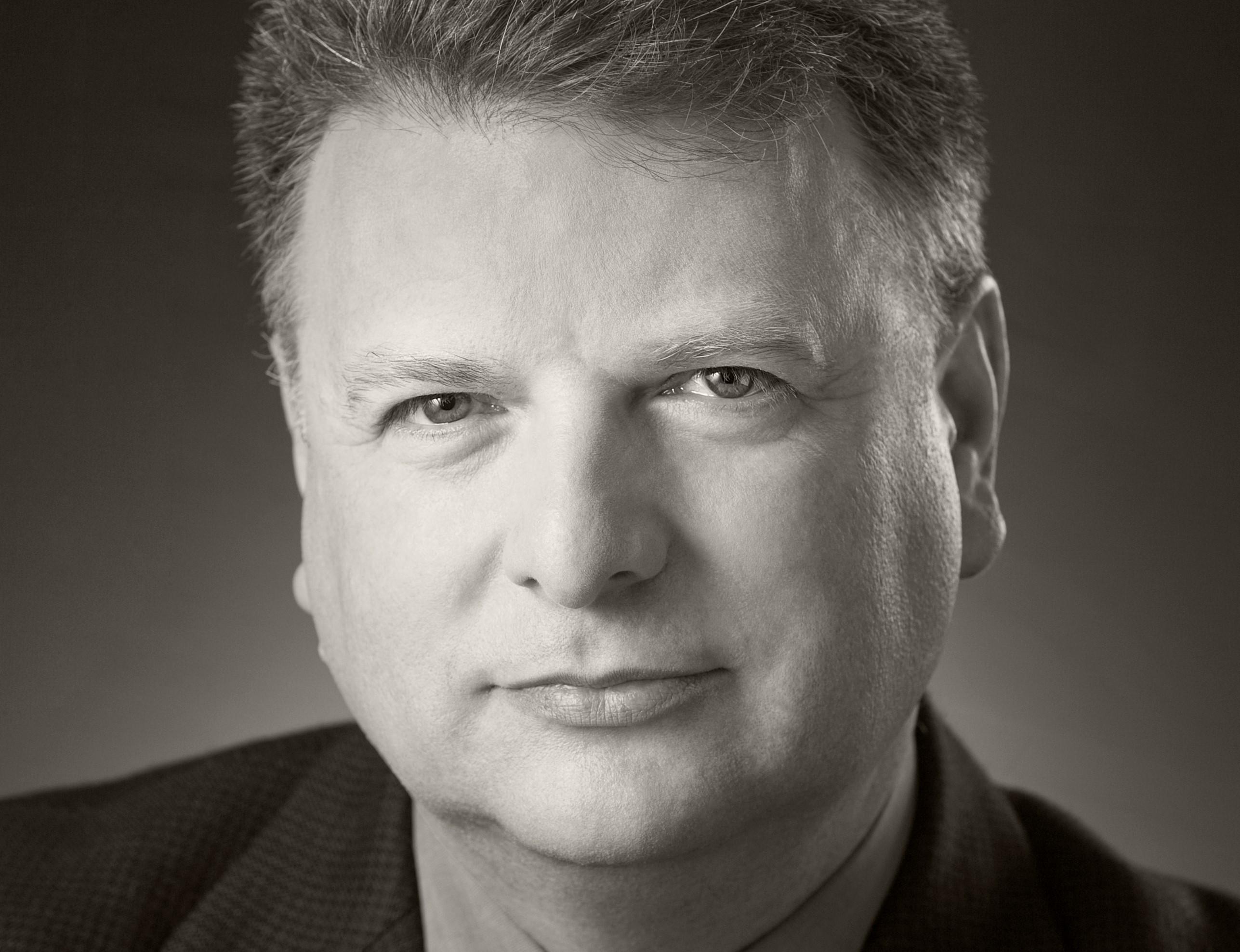 Dr. Inon Schenker