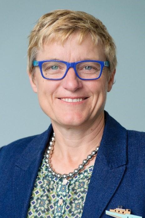 Tracey Slatter