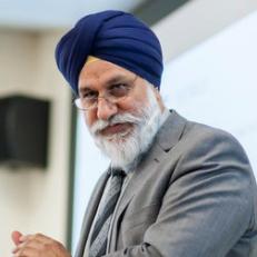 Dr Gurnam Singh