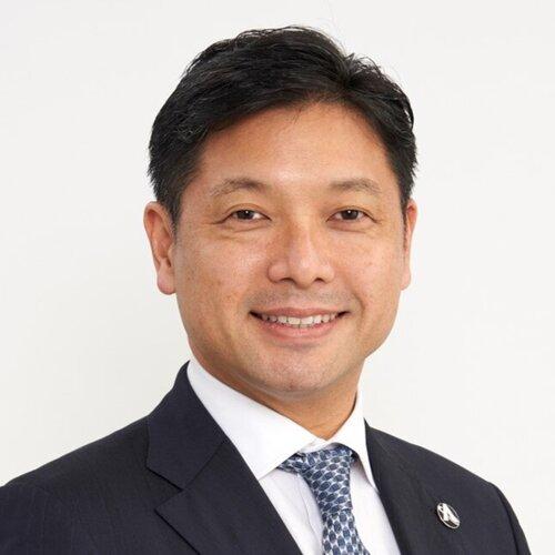 Nobu Okada