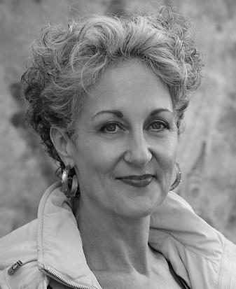 Dr Elizabeth Farrelly