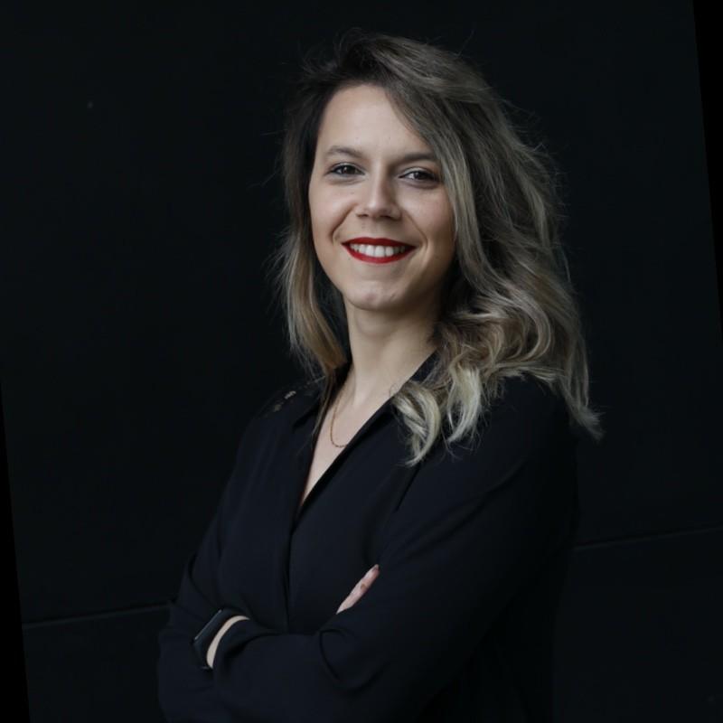 Débora Campos