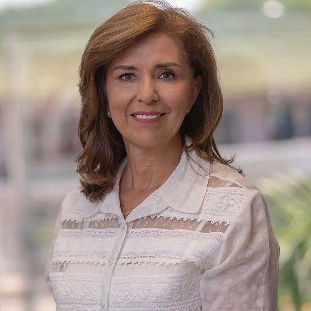 Teresa R. De Velilla